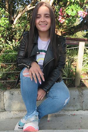 Mayra Alejandra Valencia Ruiz - Auxiliar